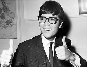 Cliff Richard (young, glasses) fridge magnet    (se)