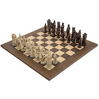 The Berkeley Chess Roman Russet and Walnut Chess Set