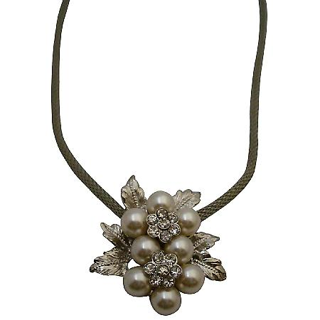 Beautiful Flower Pendant Necklace Prom Jewelry