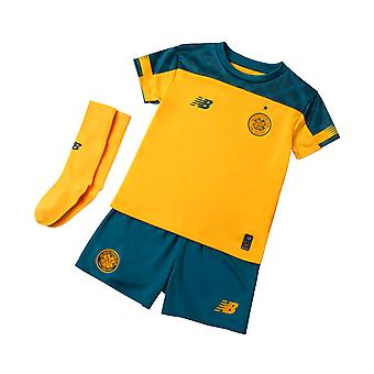 New Balance Celtic FC 2019/20 Junior Kinder Fußball Weg Mini Kit gelb/grün