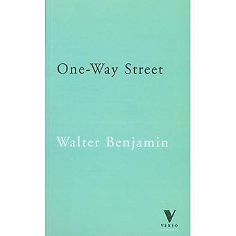 Ensrettet gade og andre skrifter (bagside klassikere)