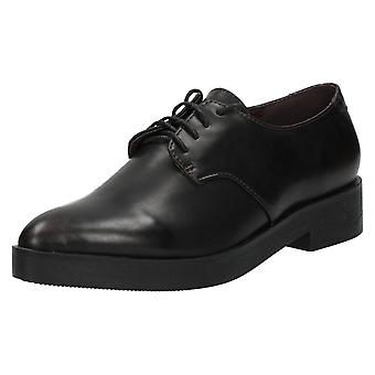 Ladies Spot On Brogue Style Shoes F9840