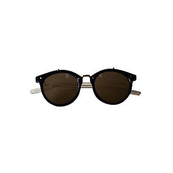 Vintage urban style sunglasses with reflective glass