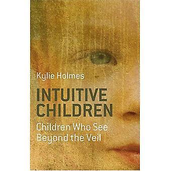 : Intuitif d'autres enfants qui voient au-delà du voile