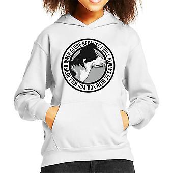 Je zal nooit lopen alleen Bordercollie Badge Kid's Hooded Sweatshirt