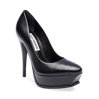 Steve Madden Womens Kyla Leather Closed Toe Classic Pumps