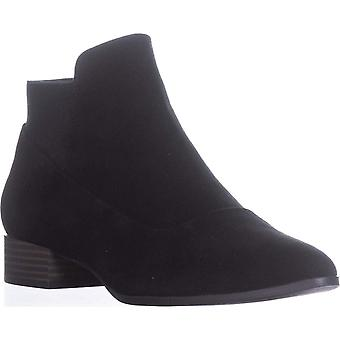 DKNY Trent Pointed-Toe Pull-On Boots, Black, 8.5 US / 39 EU