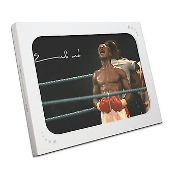 Chris Eubank signert boksing Foto: Best. I gaveeske