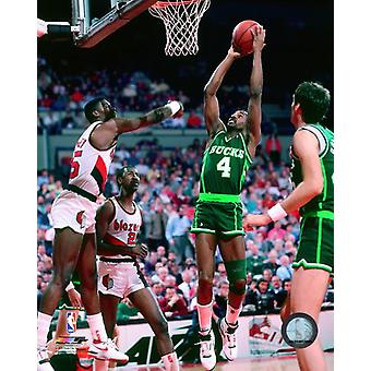 Sidney Moncrief 1988 Action Photo Print