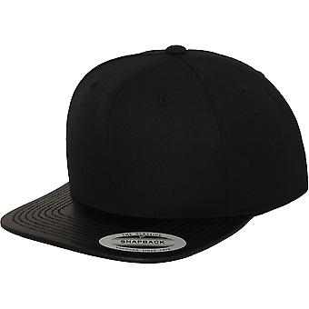 Flexfit faux leather Visor Snapback Cap - Black