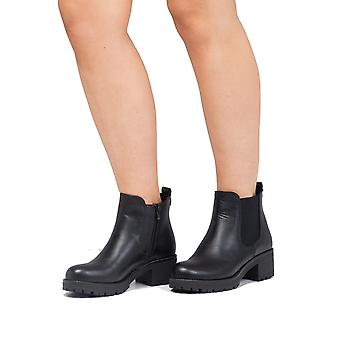 Cleated PlatformElasticated Chelsea Ankle Boots Faux Leather Black