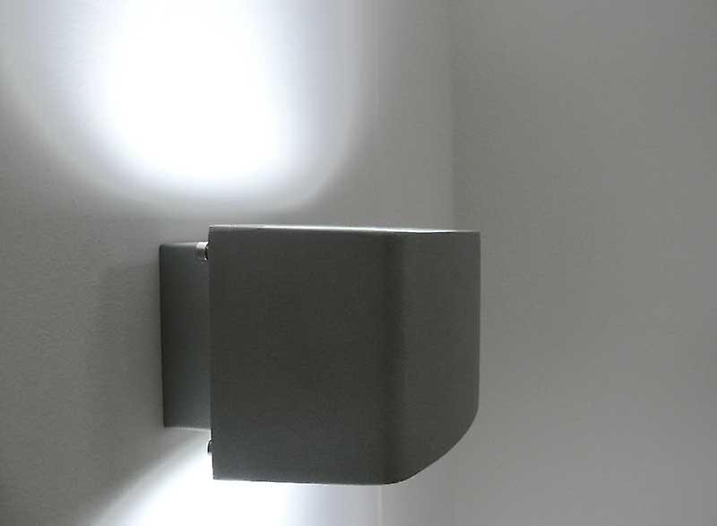 Wide Wall lamp, UpDown, IP54, E27, silvery, 10180