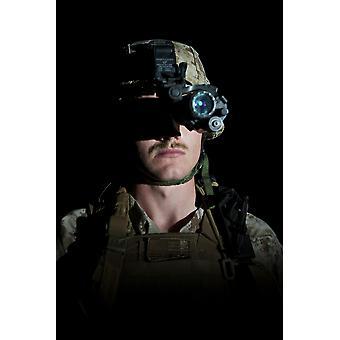 Portræt af en os Marine med nattesyn beskyttelsesbriller på nordlige Afghanistan plakat Print