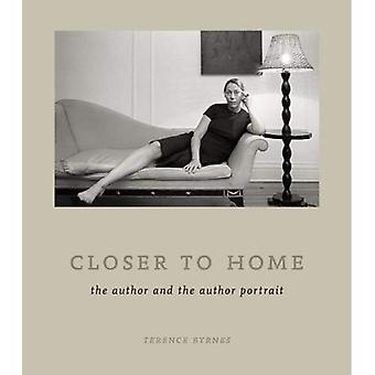 Dichter bij huis: de auteur en het portret van de auteur
