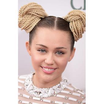 Miley Cyrus på ankomster för en Very Murray Christmas premiär på Netflix i Paris Theatre New York Ny December 2 2015 foto av Kristin CallahanEverett samling kändis