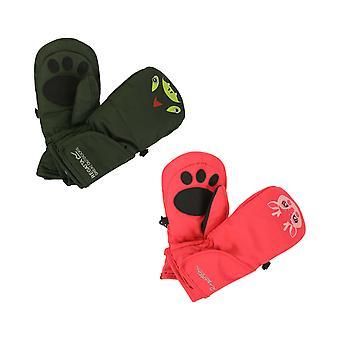 Niños de regata salpican guantes III