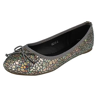 Girls Spot On Flat Shoes H2339