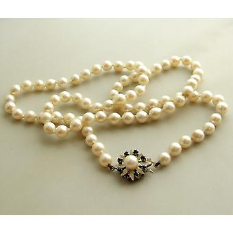 Pearl Necklace with gold sapphires lock