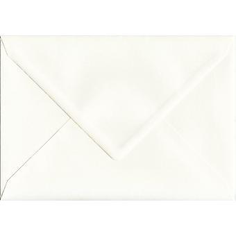 Elfenben silke gummerat C5/A5 färgade elfenben kuvert. 110gsm GF Smith Accent papper. 162 mm x 229 mm. bankir stil kuvert.