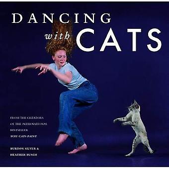 Tanssii kissat: Kansainvälinen Best Seller, miksi kissat maalata samoilta