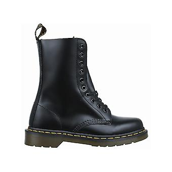 Dr Martens Black Smooth 1490 10092001 universal all year women shoes