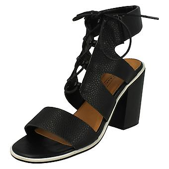 Spot de dames sur cheville coussin bloc talon sandales F10540