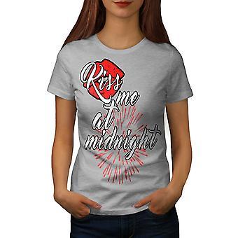 Kiss Me medianoche nuevo GreyT-camisa de las mujeres | Wellcoda