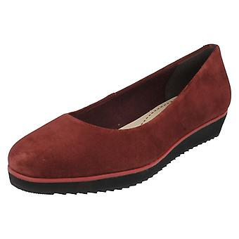 5268be41bfe0 Ladies Clarks Flats Compass Zone Ox Blood Size UK 2D