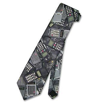米国男性の首をネクタイで作った携帯電話ネクタイ