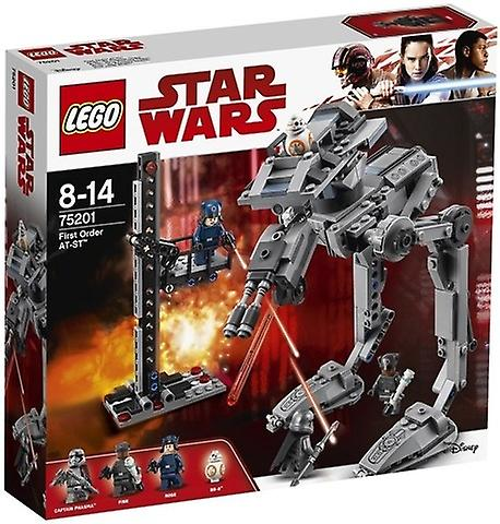 Première comhommede LEGO AT-ST 75201