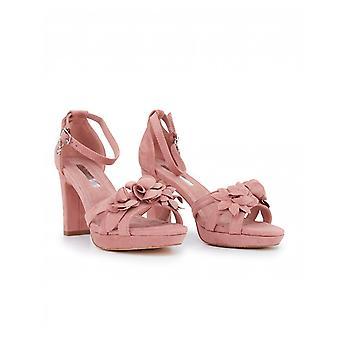 XTi bloc talon fleur détail sandales