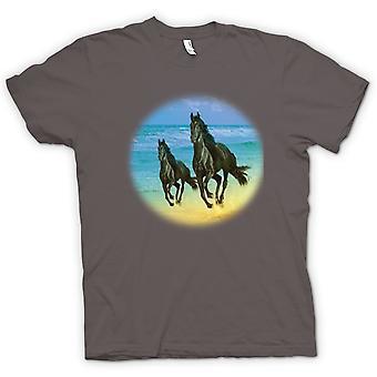 Mens t-shirt-cavalli al galoppo sulla spiaggia