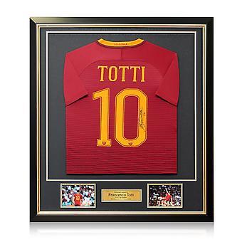 Francesco Totti signerad som Roma Football shirt 2016-17: den sista säsongen inramad