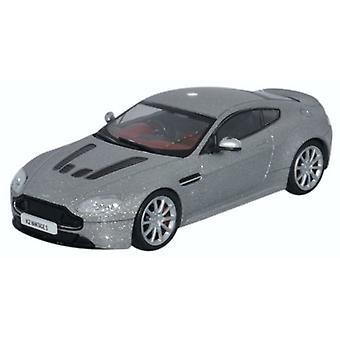 Oxford trykstøbt Amvt002 Aston Martin V12 Vantage S lyn sølv