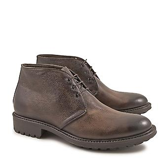 Handmade men's bootis with laces in chocolat calf leather