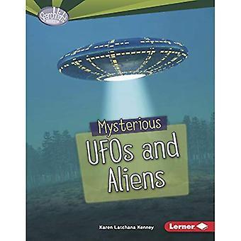 Geheimnisvolle UFOs und Außerirdische (Searchlight Bücher Angst Fest)