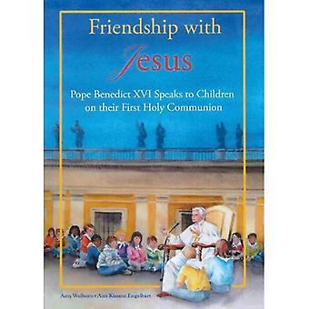 Vänskap med Jesus: påven Benedictus XVI talar med barn på deras första nattvarden