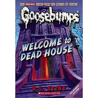 Welcome to Dead House by R L Stine - 9780545158886 Book