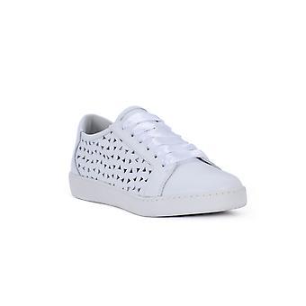 Chaussures de sport blanches pour le gland Frau