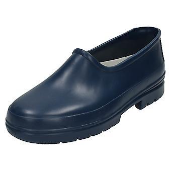 Mens plek op tuin schoenen