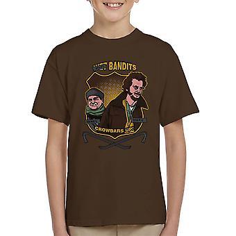 Sticky banditter hjem alene Kid's T-Shirt