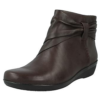 Damen Clarks Ankle Boots Everlay Mandy
