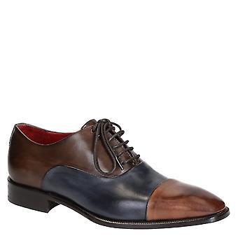 Oxfords de dedo del pie de tapa de los hombres en blu brandy de color de piel