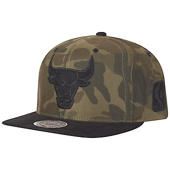 Mitchell & Ness Snapback Cap - NYLON Chicago Bulls wood camo