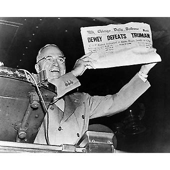 President-Elect Harry S Truman with Dewey Defeats Truman Newspaper November 3 1948 Poster Print by McMahan Photo Archive (10 x 8)