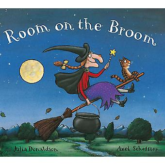 Room on the Broom by Julia Donaldson (Board Book)