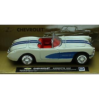 Maßstab 1:43 Die-Cast Weiß 1957 Chevrolet Corvette