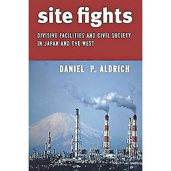 Webbplats slagsmål - splittrande faciliteter och det civila samhället i Japan och W