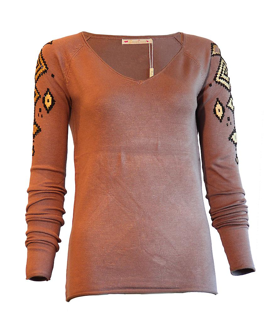 Waaoh - Fashion - Long Sleeve Tee Aztec patterns on the shoulders and rhinestone