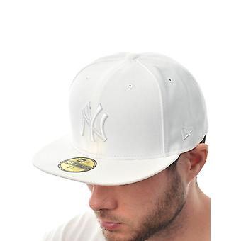 New Era White League Basic 59Fifty New York Yankees Fitted Cap